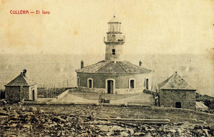 El faro de Cullera. Del libro Memoria Grafica de las Obras Publicas en la Comunidad Valenciana.Puertos y Faros.jpg