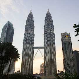 Petronas Twin Tower, Kuala Lumpur, Malaysia by Sandy Ling - Buildings & Architecture Office Buildings & Hotels ( building, cityview, sky bridge, twin tower, kuala lumpur )