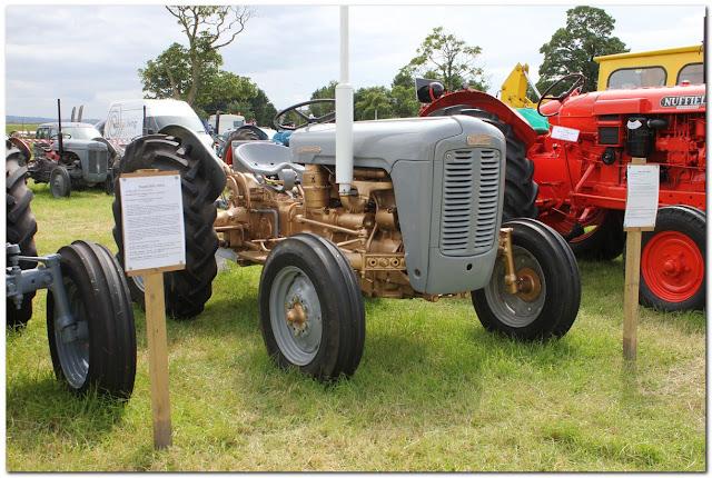 Tractors05.jpg