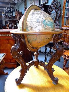 Антикварный глобус. ок.1900 г. Высота 90 см. 2500 евро.