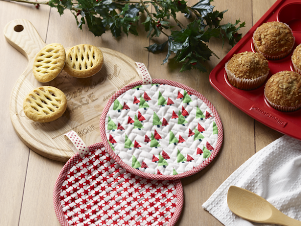 Festive Pot Holders {Tutorial : Handmade Christmas}