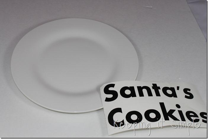 #ad Santa-Cookies-Cake-Cookies-With-DIY-Santa-Plate #BakeintheFun (7)