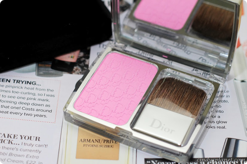 Dior Rosy Glow Blusher Review9