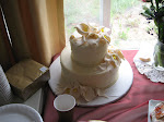 Pic of the Little London shoppe wedding cake