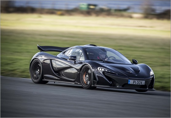 2014-mclaren-p1-black-front-three-quarter-in-motion-10 - copia