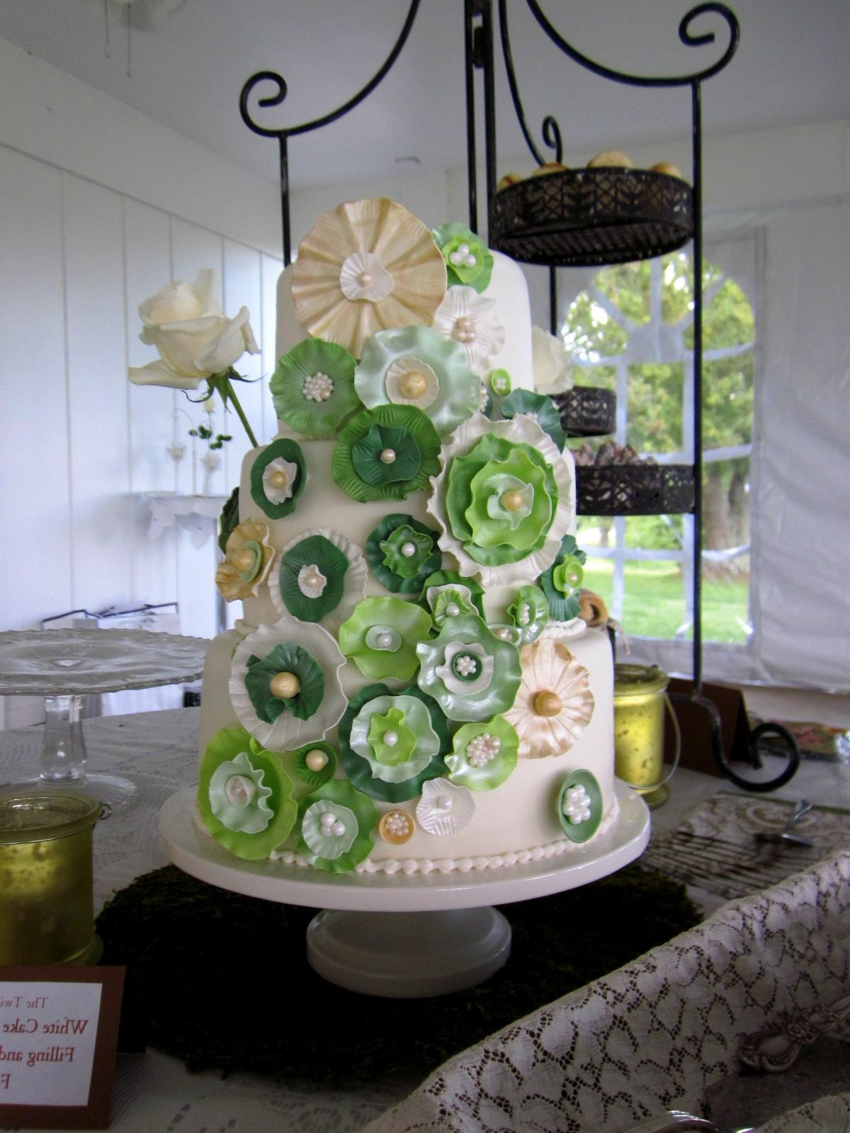 Green Ivory Gold Wedding Cake