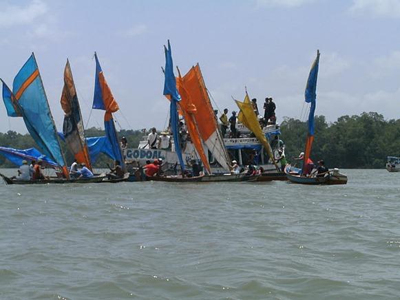 Regata Rio Marapanim - Marapanim, fonte: marapanimaterrdocarimbo.blogspot.com