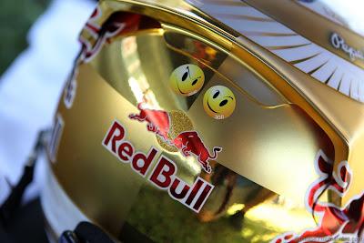 смайлики на шлеме Себастьяна Феттеля на Гран-при Венгрии 2012