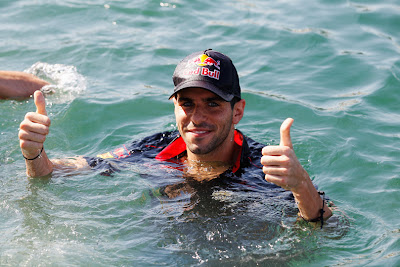 Хайме Альгерсуари в море на Гран-при Европы 2011 в Валенсии