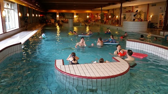 Center parcs aqua mundo forum nieuws info foto 39 s center parcs spetterend verfrissend - Klein natuurlijk zwembad ...