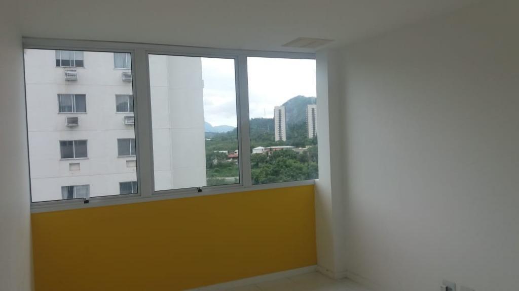 Sala comercial para locação, Camorim, Rio de Janeiro.
