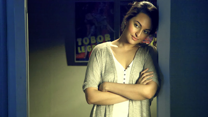 Bollywood Actress Sonakshi Sinha Images in Joker Movies