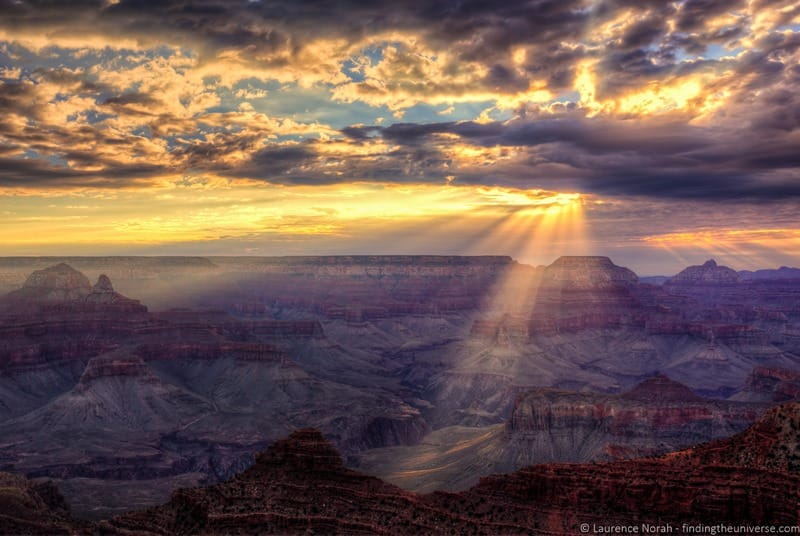 Grand canyon sunrise light beams