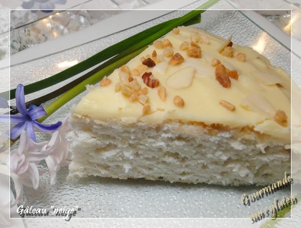 Gâteau neige, glaçage au chocolat blanc