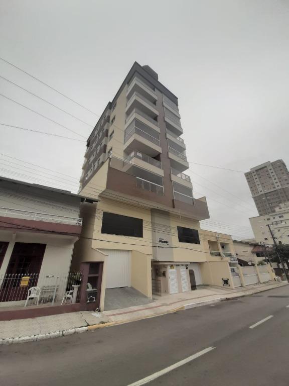 Apartamento com 3 dormitórios à venda, 94 m² por R$ 638.500 - Meia Praia - Itapema/SC