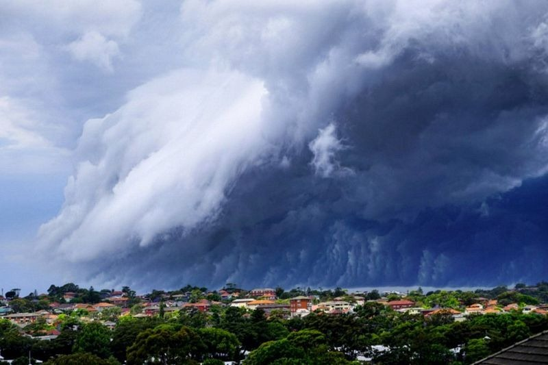 shelf-cloud-tsunami-sydney-2
