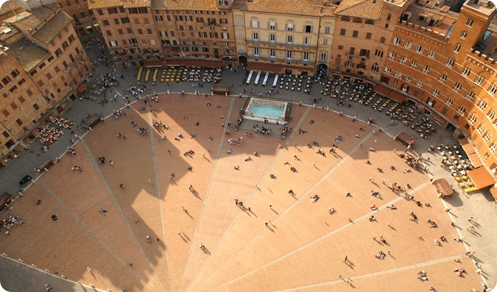 siena-piazza-3008x2000