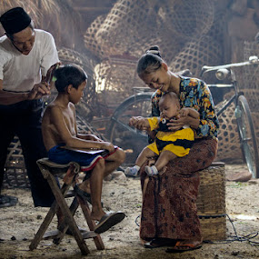 by Nicholas Wibowo - People Family ( mom with kids )