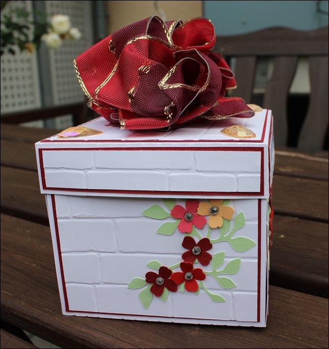 explosion box geschenk zum ruhestand das jahreszeitenhaus. Black Bedroom Furniture Sets. Home Design Ideas