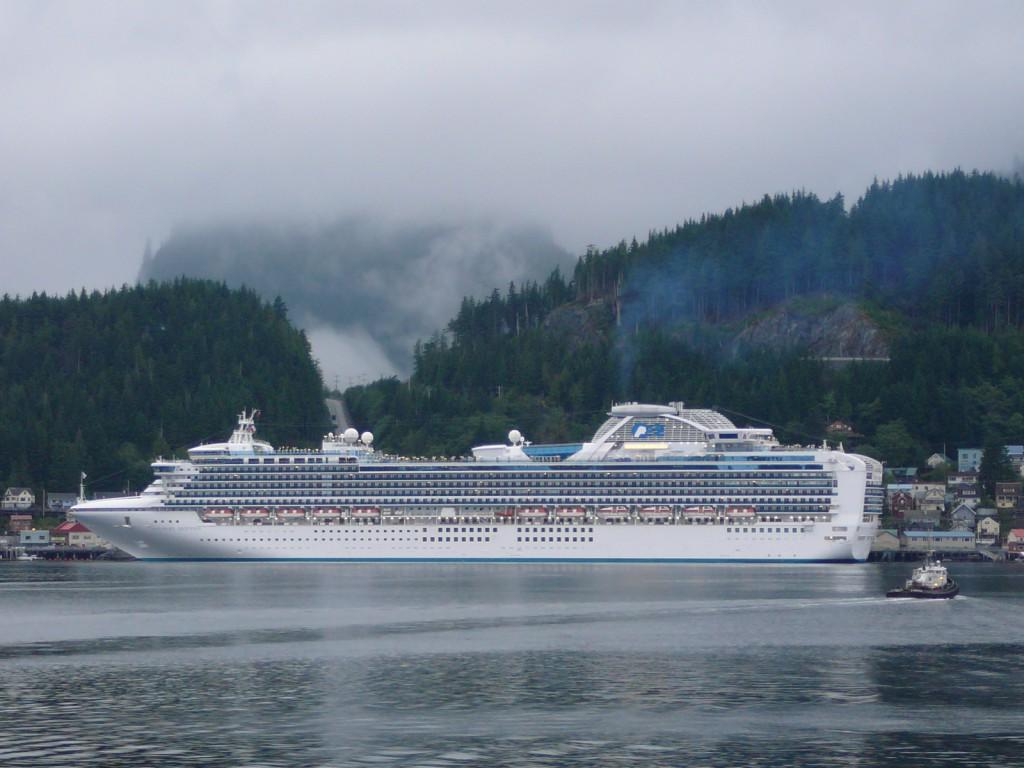 10 Beautiful Cruise Ships