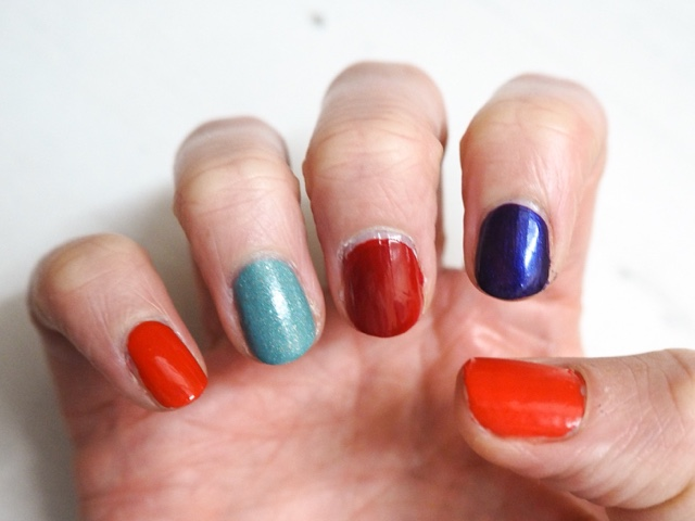 coloristiq-monthly-subscription-box-nail-polish-manicure-box-essie-fifth-avenue-nails-inc-the-mall-danglefoot-budapest-opi-venice