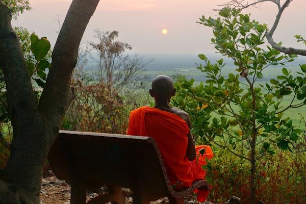 закат монах буддизм