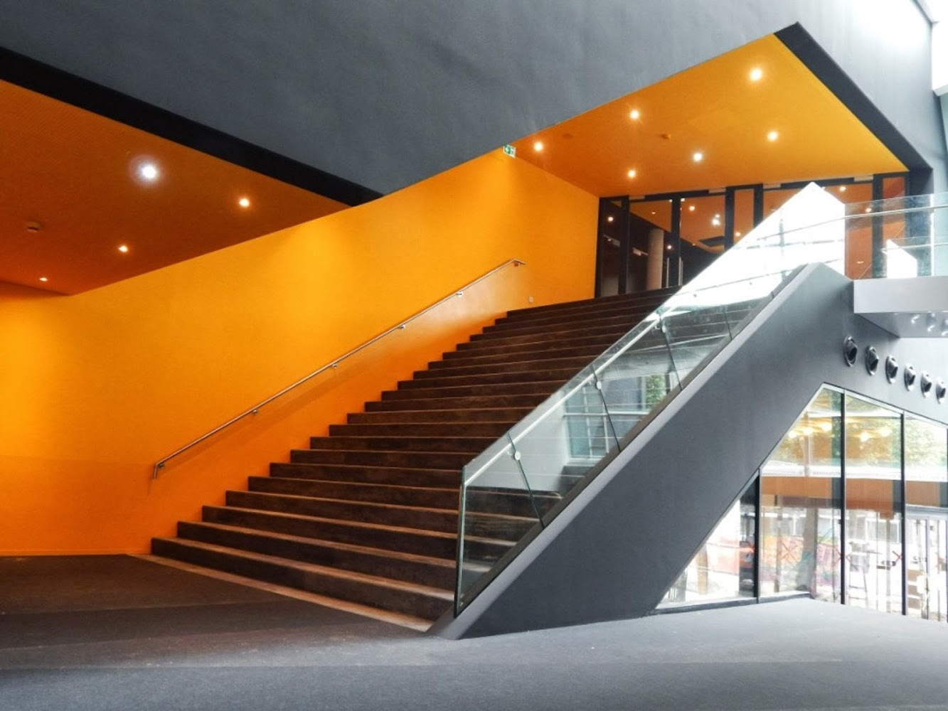 Multipurpose Hall Markant by architectuurstudio Hh