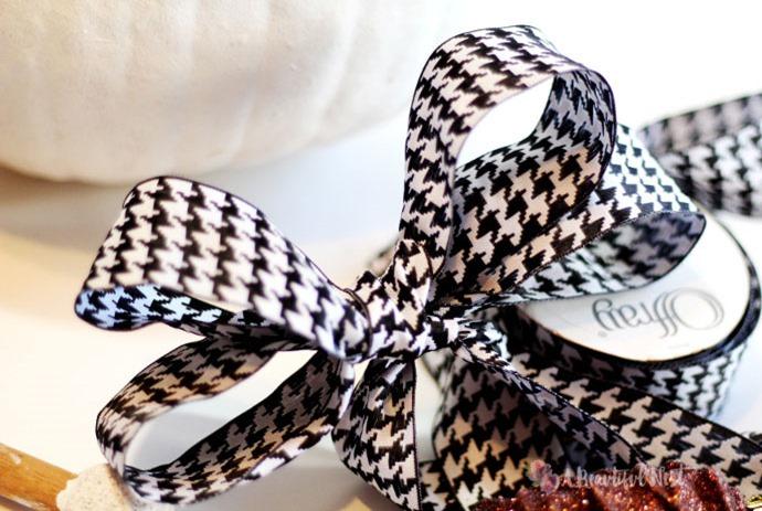 Fall-DIY-decor-ribbon