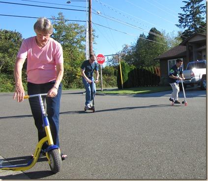 10-4 Family play at grandmas 14