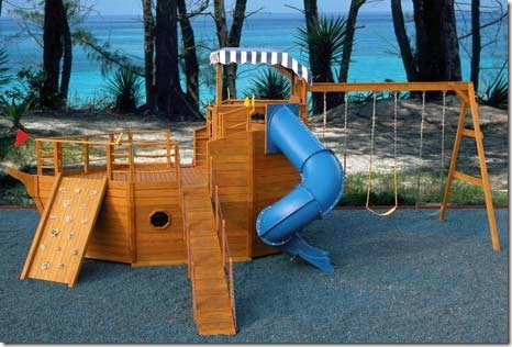 Condo blues 18 awesome playhouses you have to see to believe for Boat playhouse plans