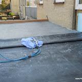 E.P.D.M. rubber dakbedekking dat uit één stuk bestaat dus geen naden.
