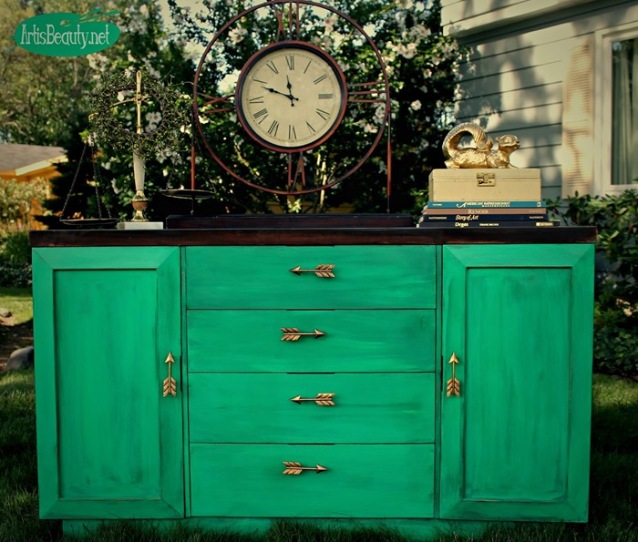 green and gold arrow buffet makeover artisbeauty.net karin chudy painted furniture diy