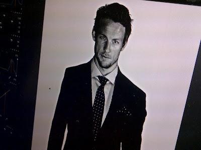 снимок с фотосессии Дженсона Баттона для Hugo Boss 19 января 2012