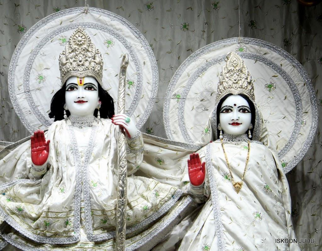 ISKCON Juhu Mangal Deity Darshan 21 Jan 16 (8)