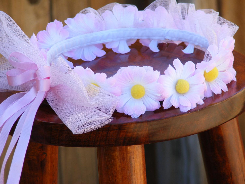 fun wedding daisy flowers