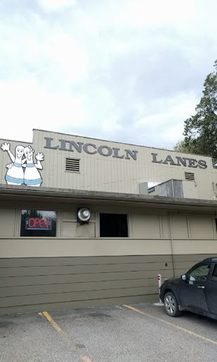 Lincoln Lanes (1969) Ltd, 3510 25 Ave, Vernon, BC V1T 1P3, Canada, Bowling Alley, state British Columbia