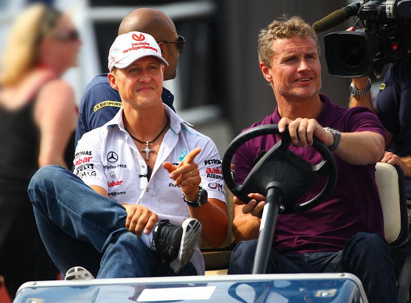 Михаэль Шумахер дает интервью Дэвиду Култхарду для BBC на Гран-при Канады 2011
