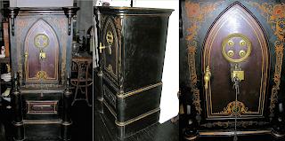 Красивый антикварный сейф ок.1850 г. 65/65/151 см. 7000 евро.