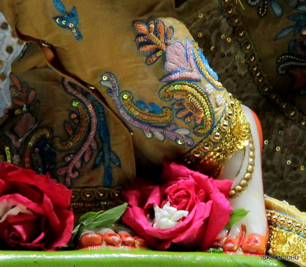 ISKCON Juhu Mangal deity Darshan 09 Feb 16 (15)