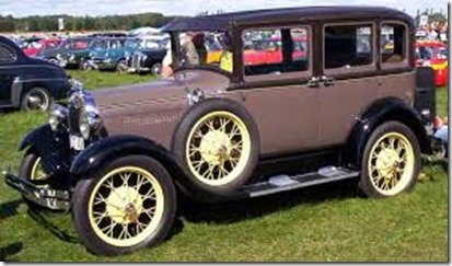 1929_Ford_Model_A_155B_Town_Sedan_SZT424_2