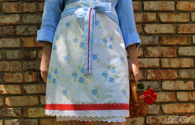 Eleanor's Aprons 065