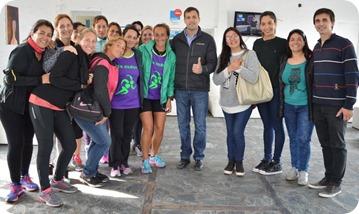 Juan Pablo de Jesús se reunió con corredoras amateurs para hablar sobre el desarrollo de la actividad deportiva.