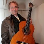 Jorge Orozco tocó con la guitarra que utilizó Francisco Tárrega tantas veces. Es de 1903. Pertenecia a un alumno de Tárrega, D. Joaquín García de la Rosa y fue construida por Vicente Arias.