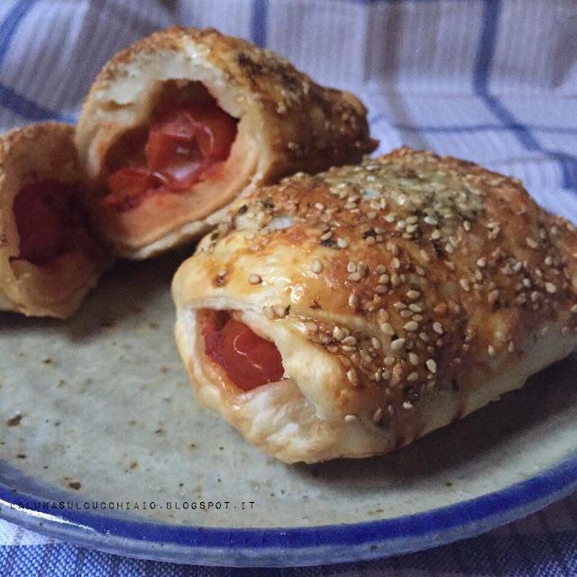 pasta sfoglia intrecciata con pomodorini