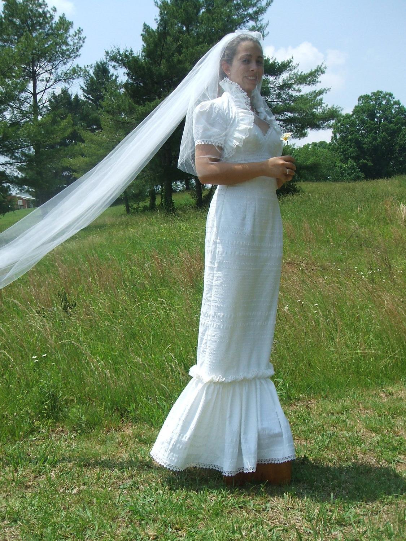 Romantic Ruffled Wedding Dress