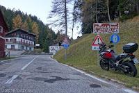 Kurvig und schnell von Villa Santina auf der Ostrampe des Passo della Mauria (1298m).