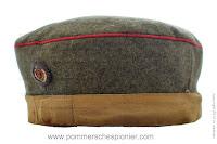 Polowa czapka piechoty z opaską maskującą