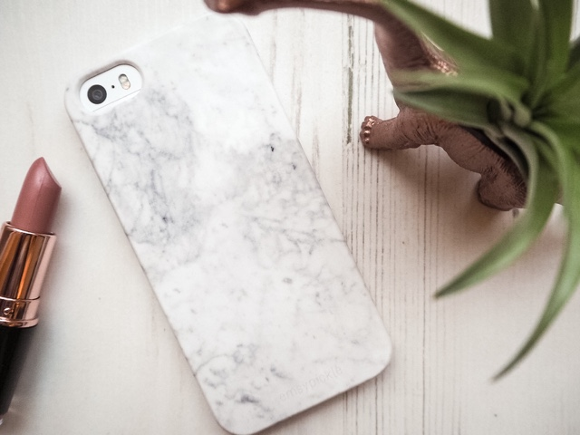 personalised-phone-case-marble-phone-case-case-app-blog-giveaway-competition-discount-code-christmas-present
