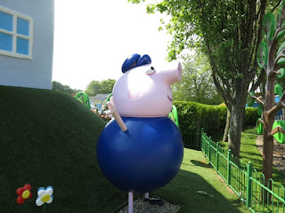 Grandad pig says hello at Peppa Pig World.