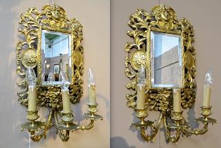 Два настенных зеркала в бронзовых рамах. 19-й век. 34/60 см. 1800 евро.